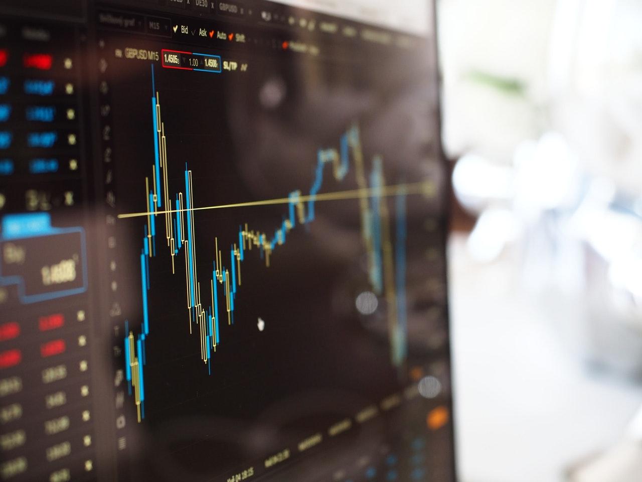 Ganhos, custos e riscos. Como funciona investir em ações?
