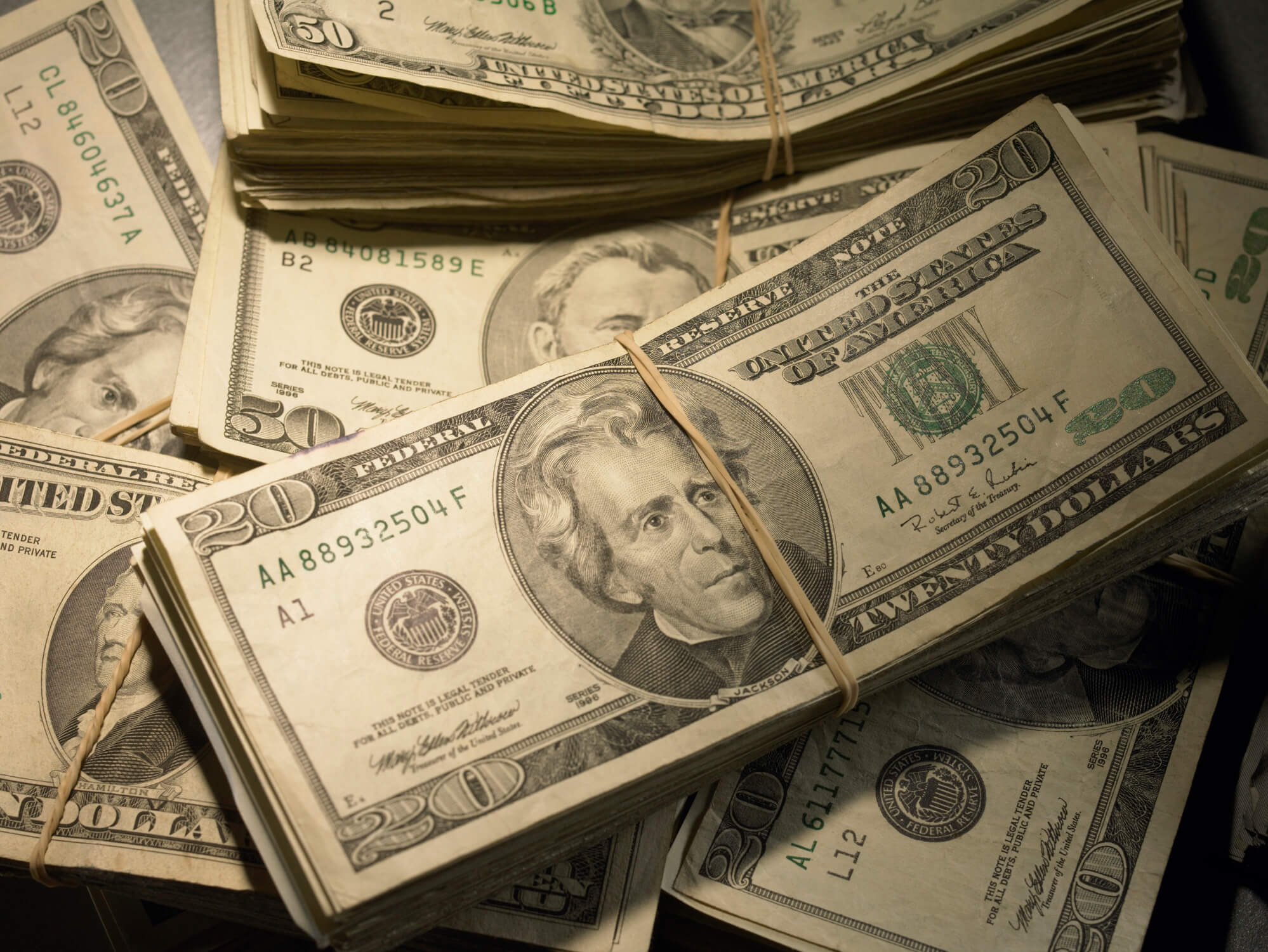 Dólar comercial e dólar turismo: você sabia que eles são diferentes?